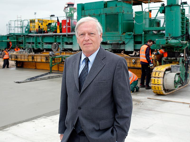 Die öffentliche Empörung über die Betrügerbande aus NRW findet Hans-Hartwig Loewenstein, Präsident Zentralverband Deutsches Baugewerbe, scheinheilig.