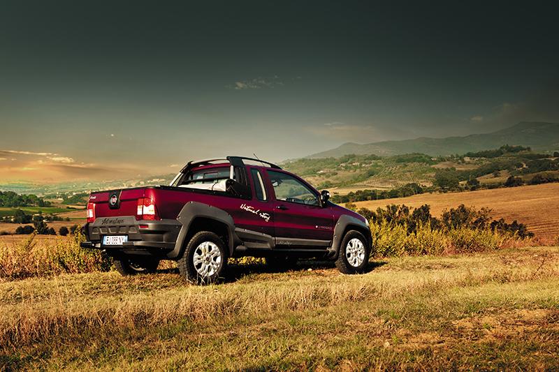 Fiat Strada hinten