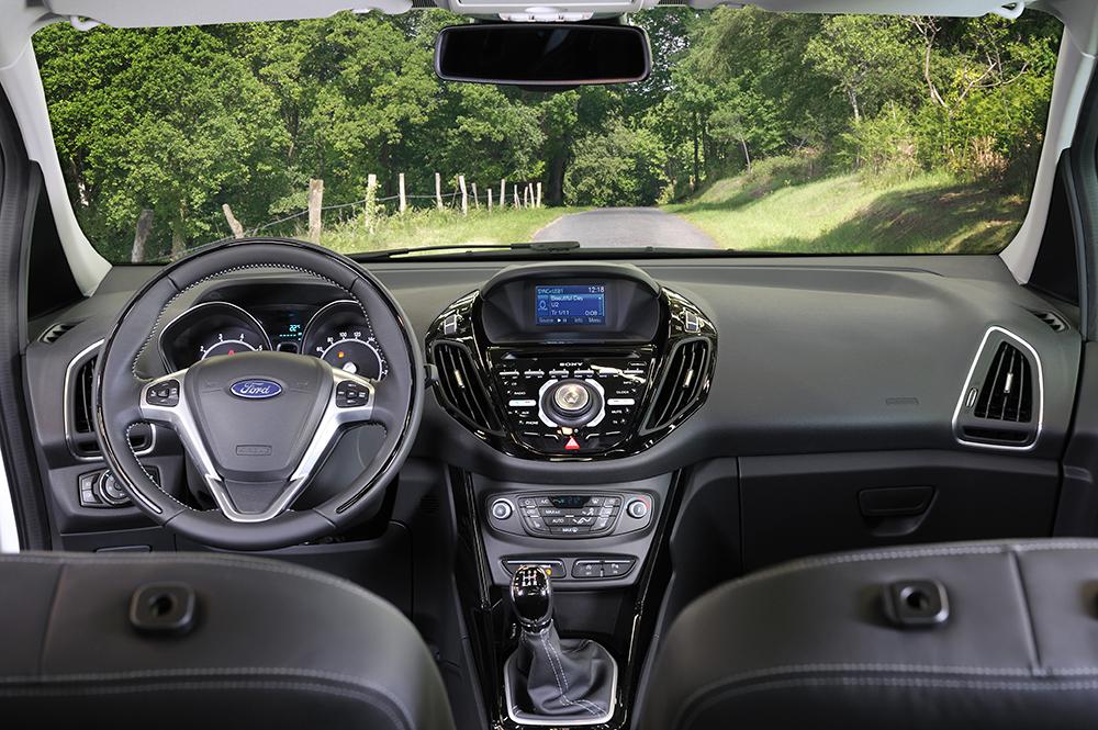 Ford B-MAX interior 1 internet