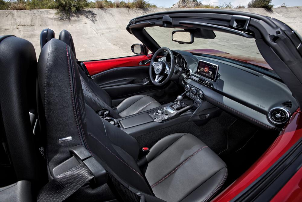 MX 5 2015 Interior 03