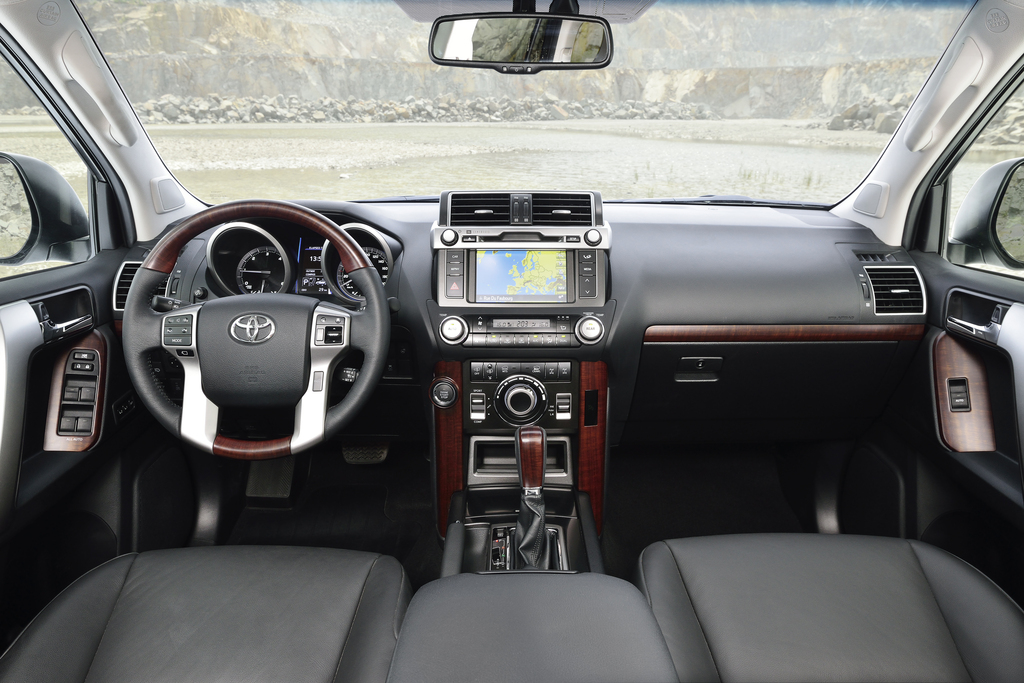 ppe DHB online 20140205 Toyota Land Cruiser 2