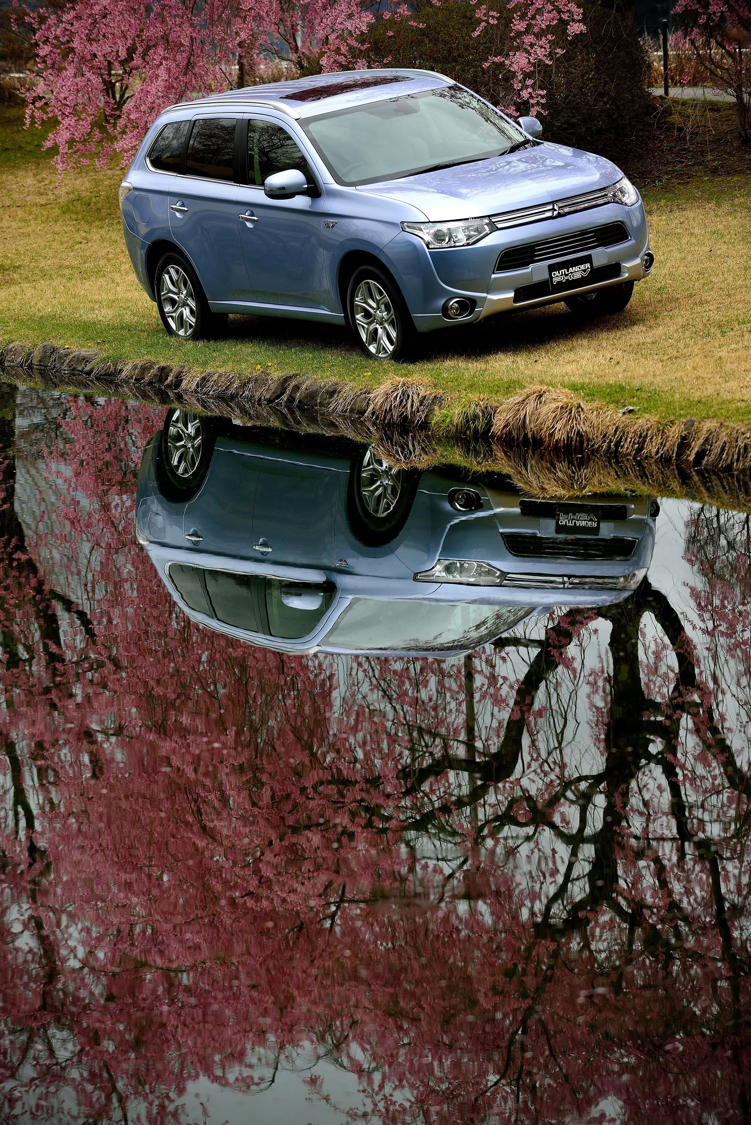 ppe DHB online 20140521 Mitsubishi Outlander 2