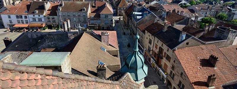 Blick auf Luxeuil-les-Bains; Foto: © CRT Franche-Comté