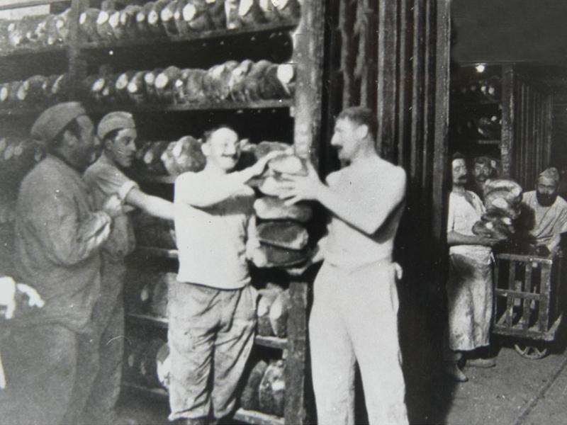Bis zu 41.000 Brotlaibe buken die Soldaten mit Bäckerausbildung pro Tag in der Festung von Verdun. Foto: Tourismus-Départment Meuse