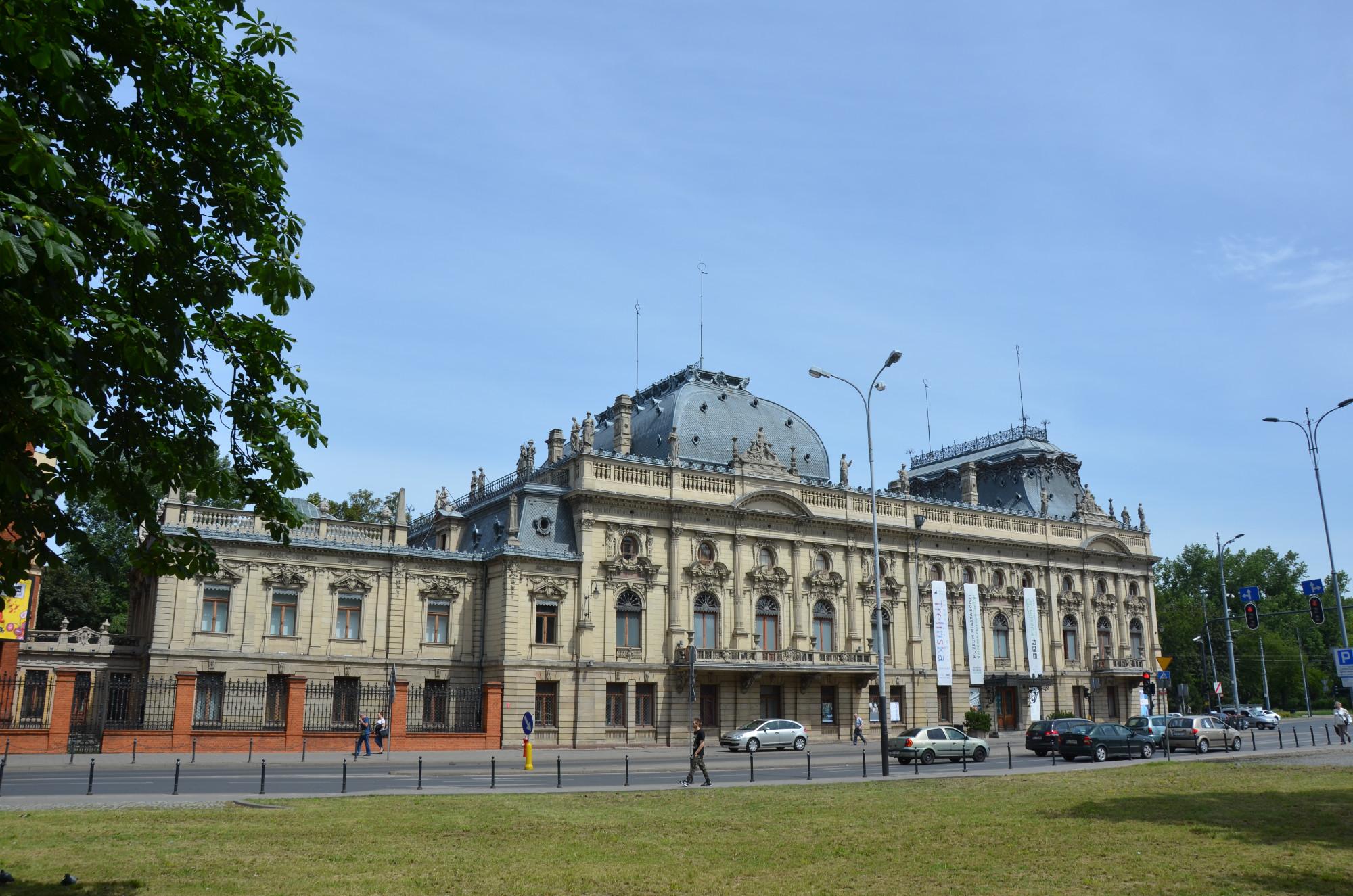 20 Jahre wurde an dem Poznański-Palast nach dem Vorbild des Pariser Louvre gebaut. (Foto: © Jürgen Ulbrich)